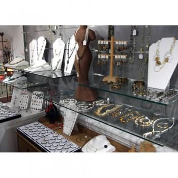 Bijouterie EMMA BIJOUX à Cahors, bijouterie de pierres naturelles et pierres de lithothérapie à Cahors.
