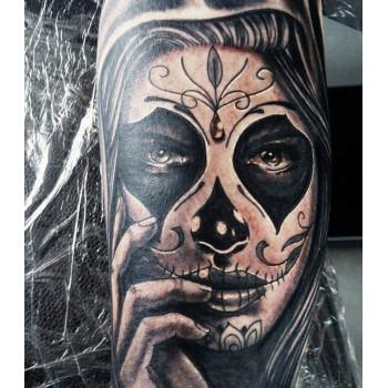 Tatoueur, tatouage LA MECANIQUE DE L'ENCRE Cahors, salon de tatouage et de piercing à Cahors.